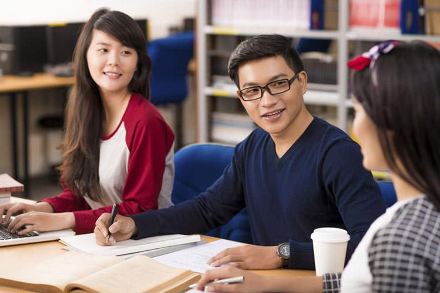 Đầu tư học tiếng Anh để du học